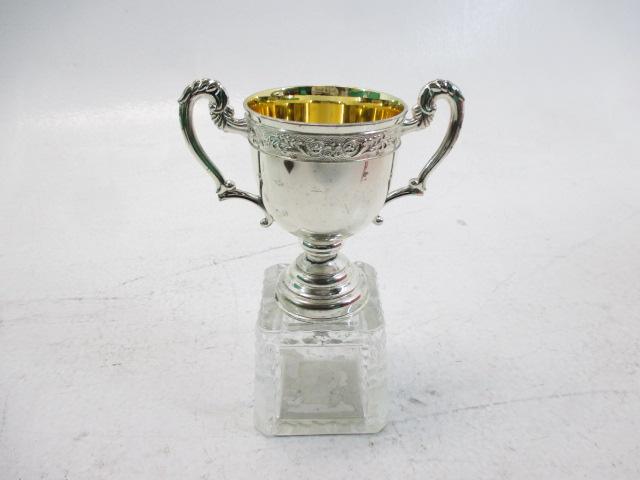 優勝カップ 16