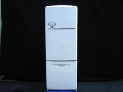 電気冷蔵庫02