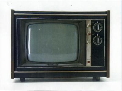 家具調テレビ14